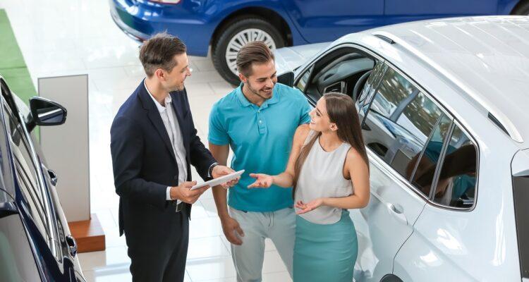 Zmiana planów? Sprawdź jak wydłużyć okres wypożyczenia samochodu?